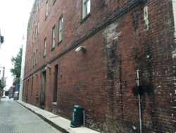 DMC Barboro Alley Photo 1